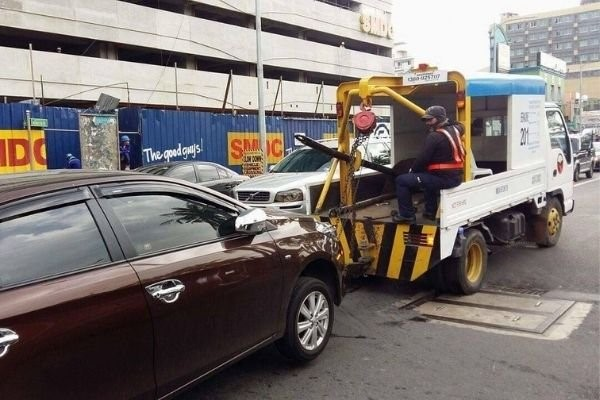 Towing services in Metro Manila: Accredited shops, rates, and FAQs